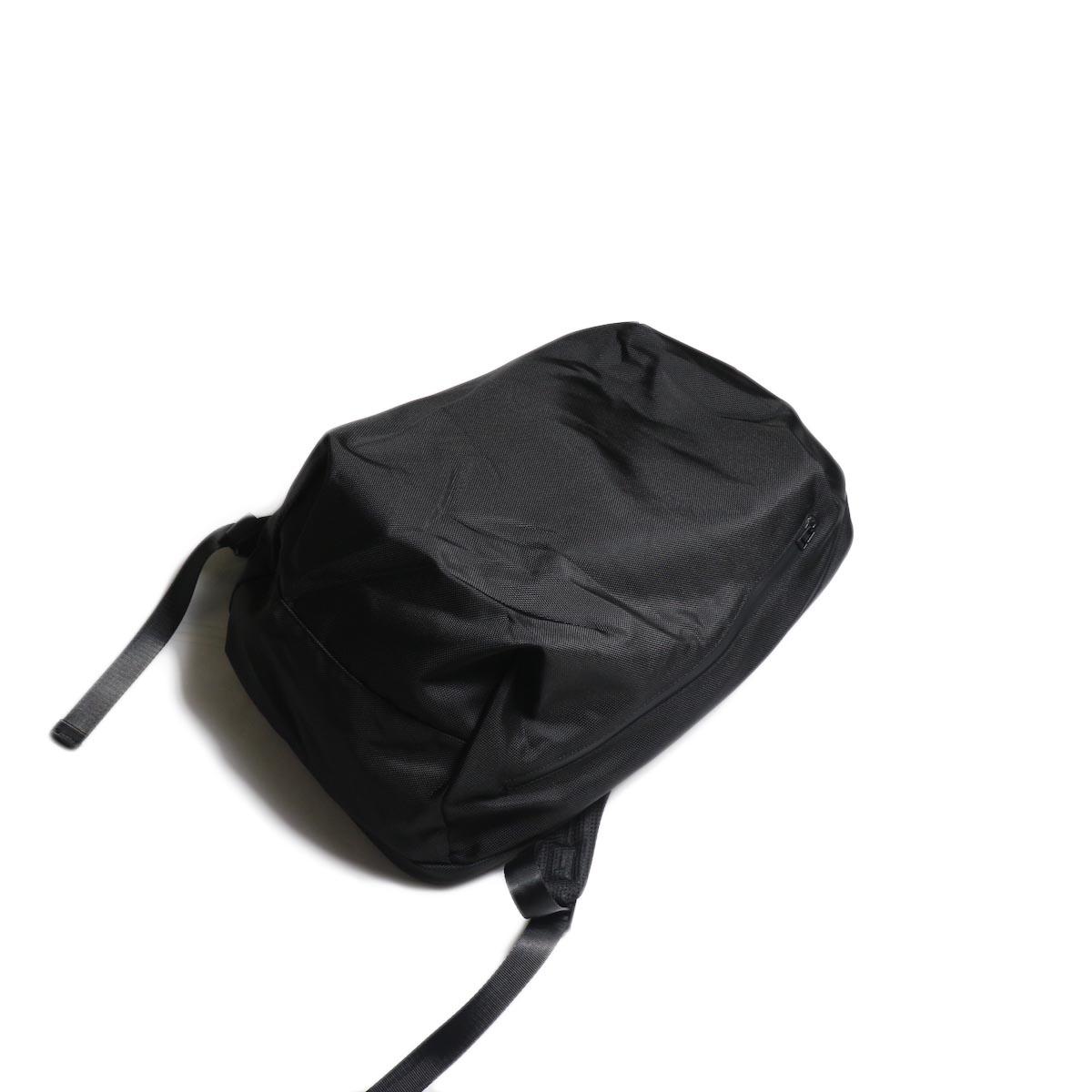 UNIVERSAL PRODUCTS / NEW UTILITY BAG (Black)全体像