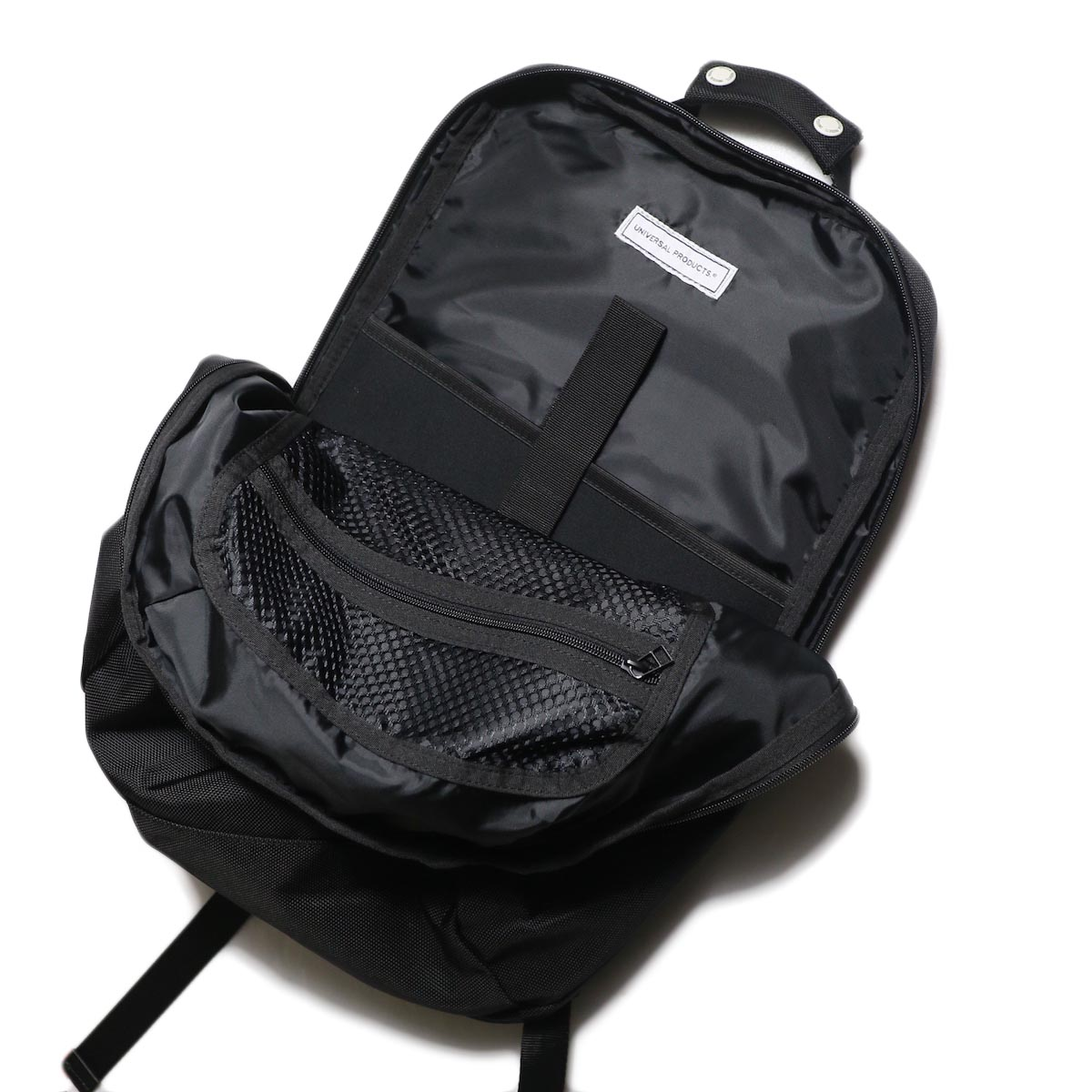 UNIVERSAL PRODUCTS / NEW UTILITY BAG (Black)収納口