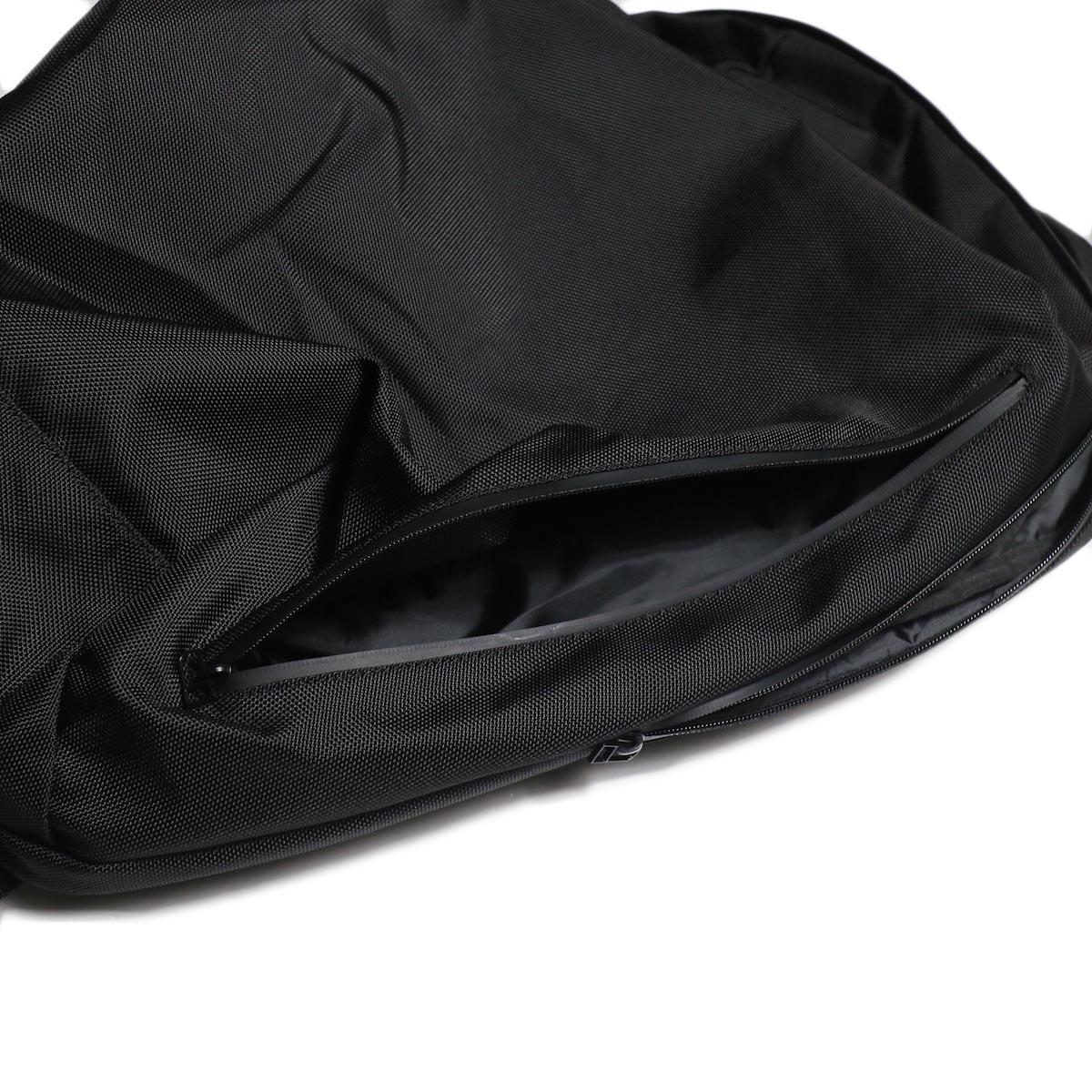 UNIVERSAL PRODUCTS / NEW UTILITY BAG (Black)サイドジップ