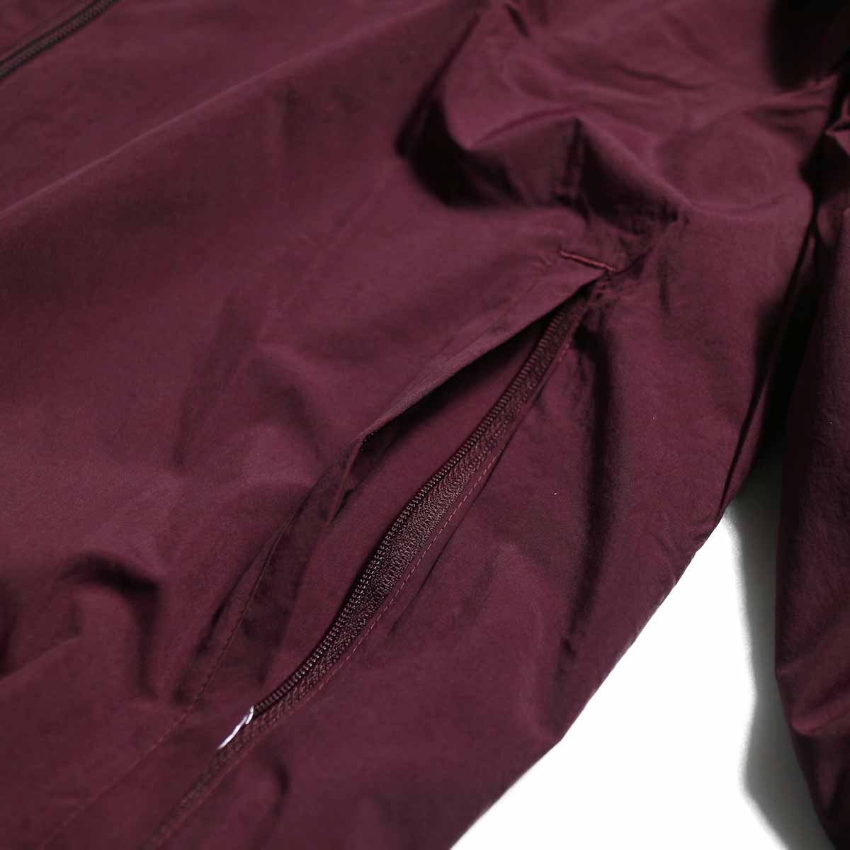 adidas originals / Flamestrike Woven Track Top -Maroon ポケット