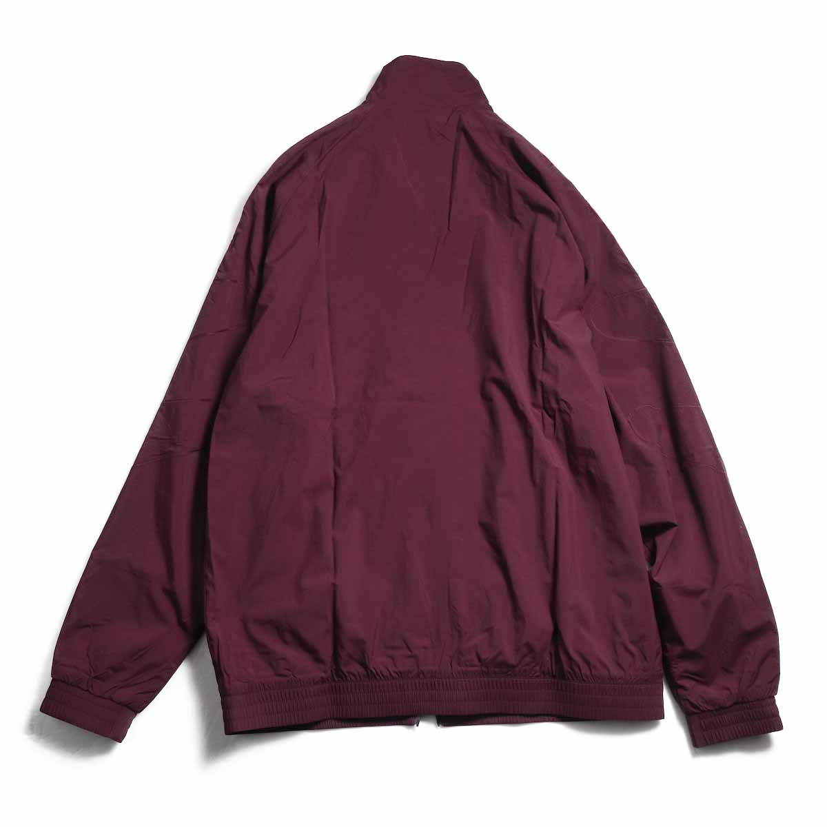 adidas originals / Flamestrike Woven Track Top -Maroon 背面
