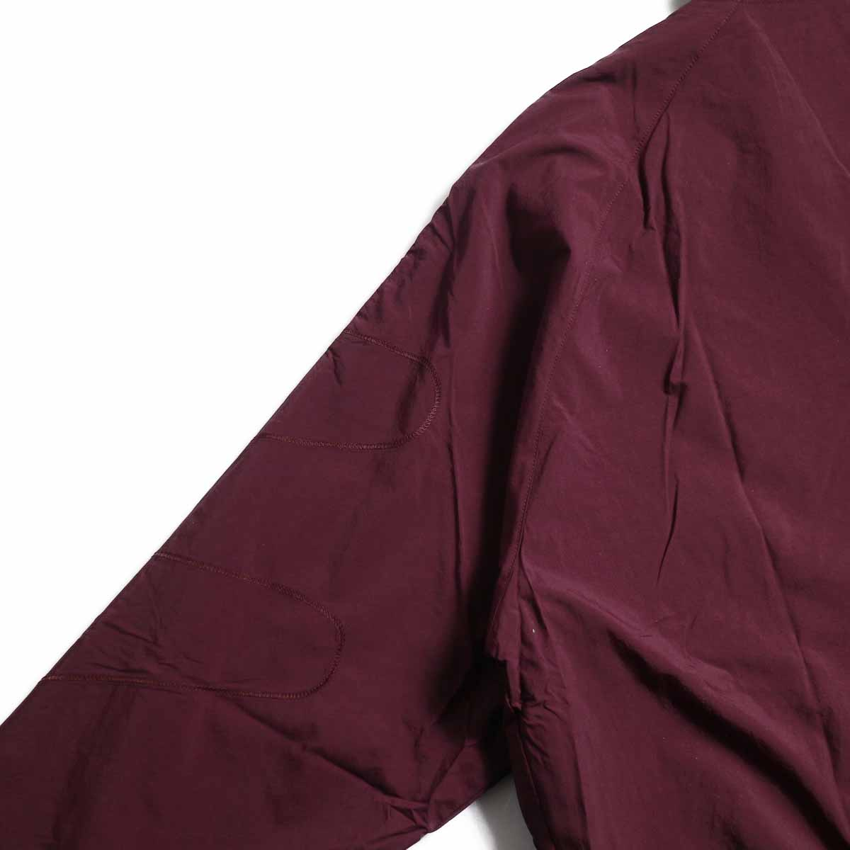 adidas originals / Flamestrike Woven Track Top -Maroon ステッチ