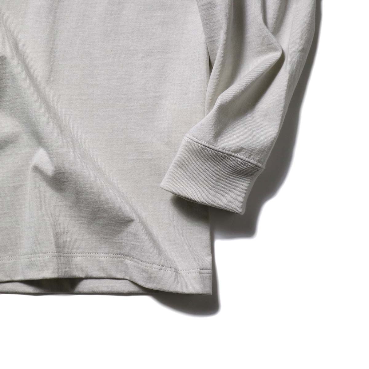 alvana / TANGUIS L/S TEE SHIRTS (Ecru Gray)袖、裾