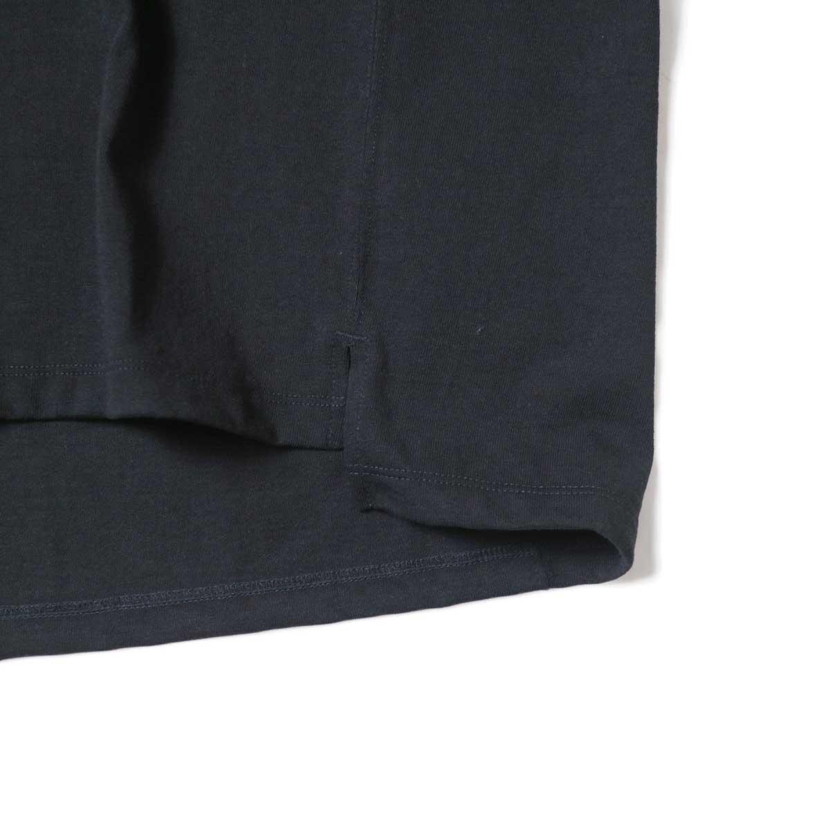 alvana / Protect Football S/S Tee (Black)裾