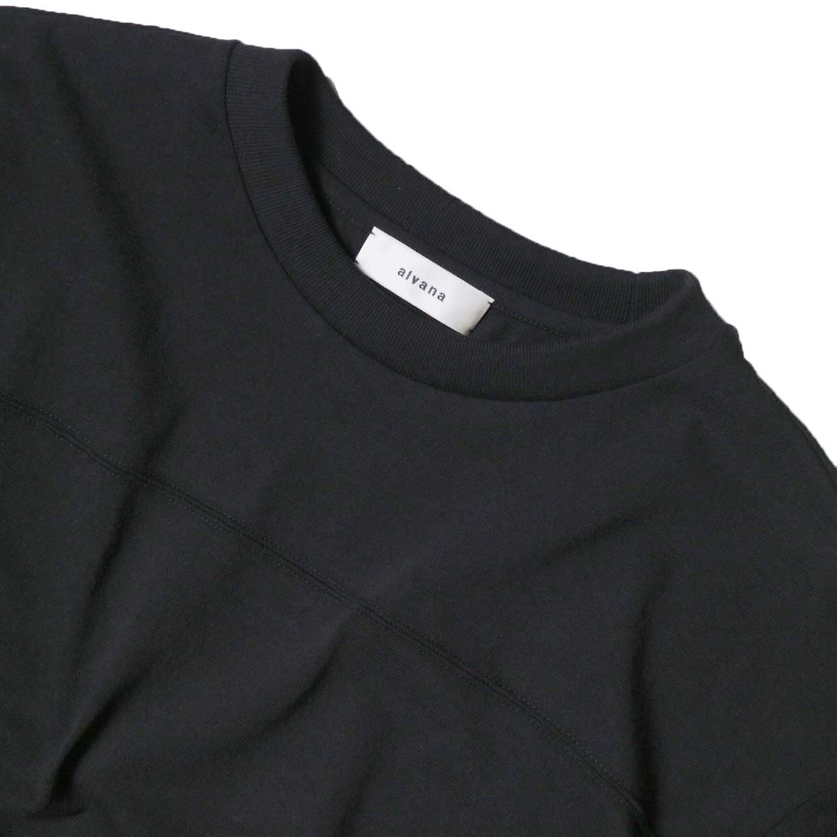alvana / Protect Football S/S Tee (Black)ネック