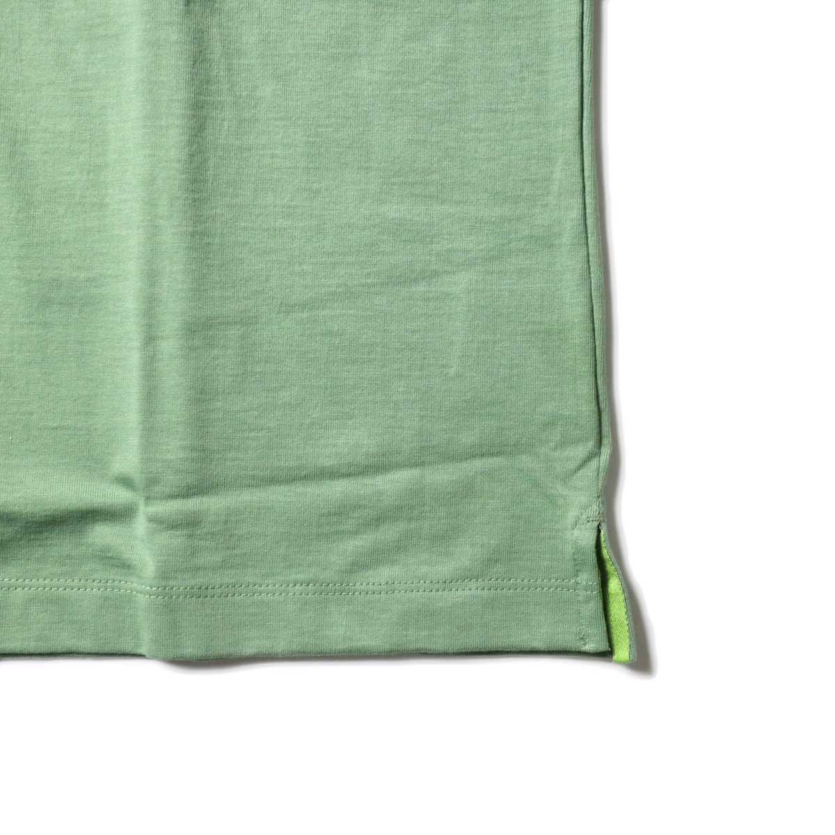 alvana / Tanguis Wide Pocket Tee (Forest Green)裾
