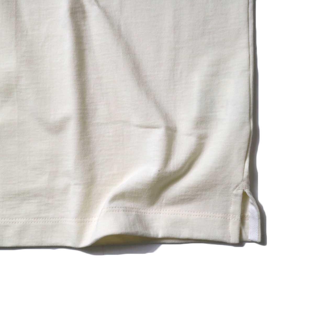 alvana / Tanguis Wide Pocket Tee (Ivory)裾