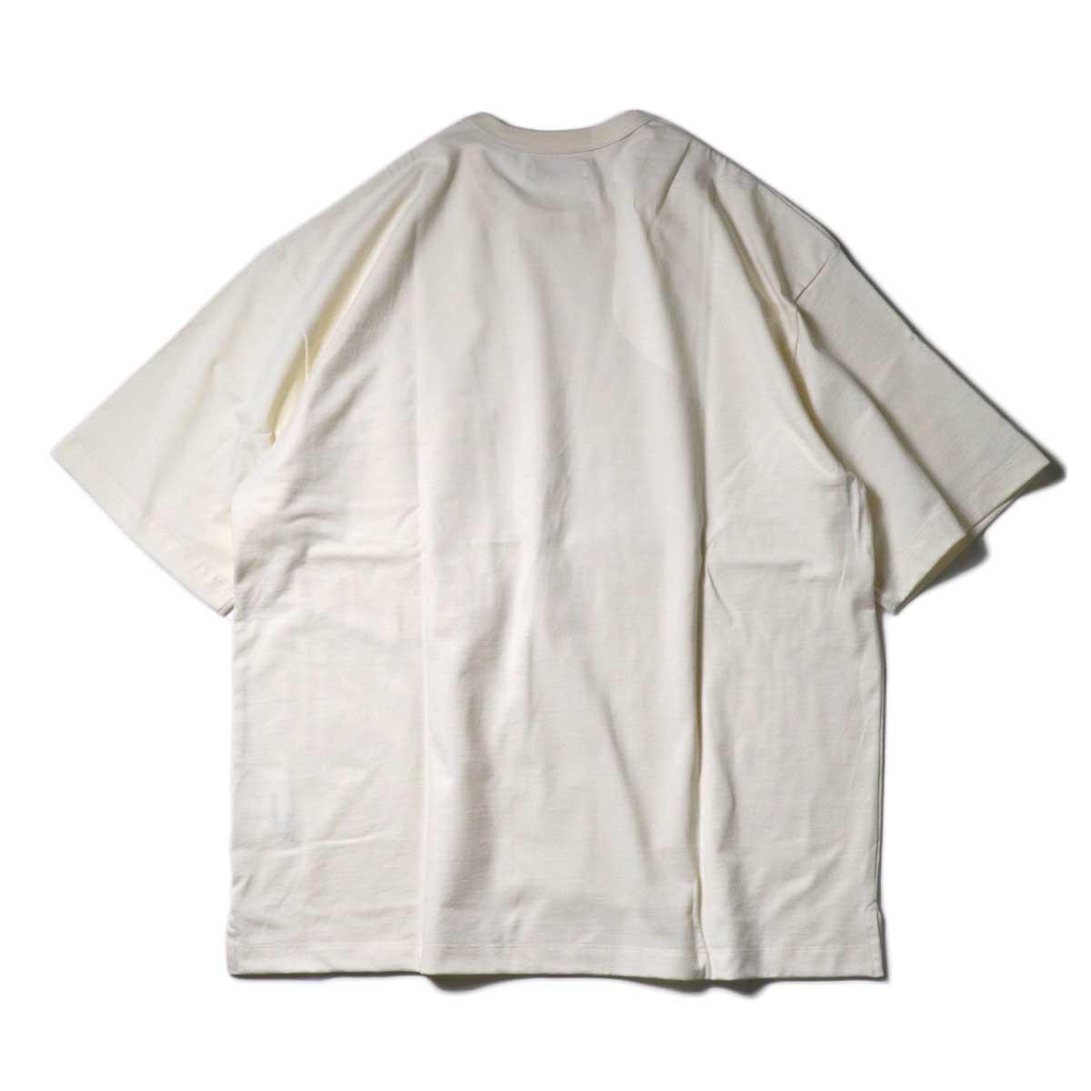 alvana / Tanguis Wide Pocket Tee (Ivory)背面