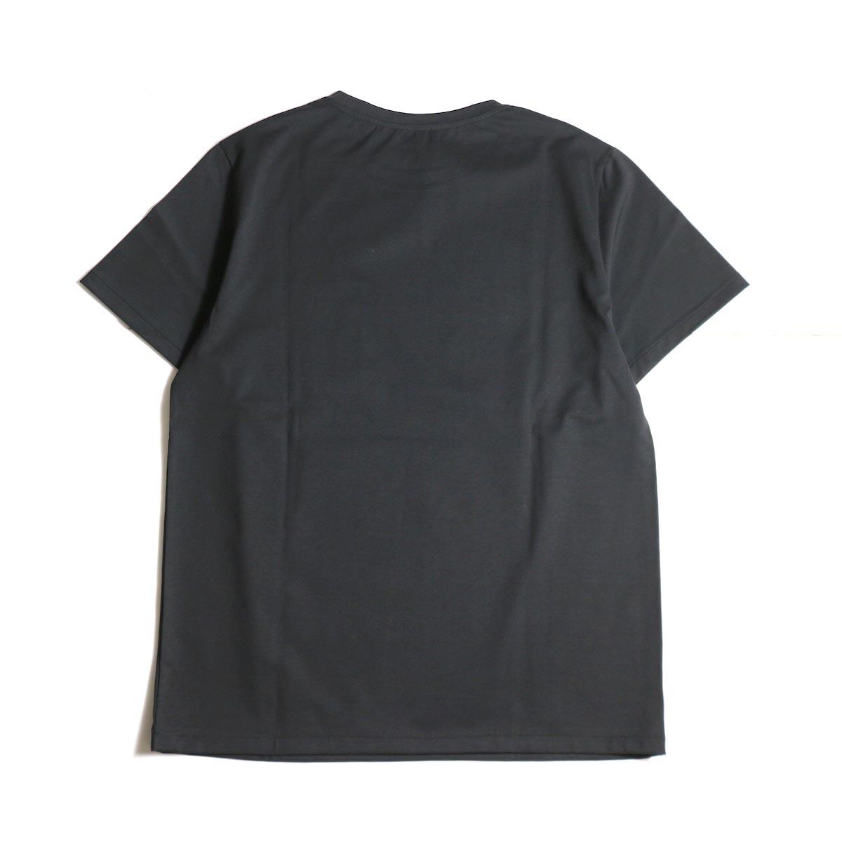 A.P.C. / Crew Neck Emb Pocket Tee -Black背面