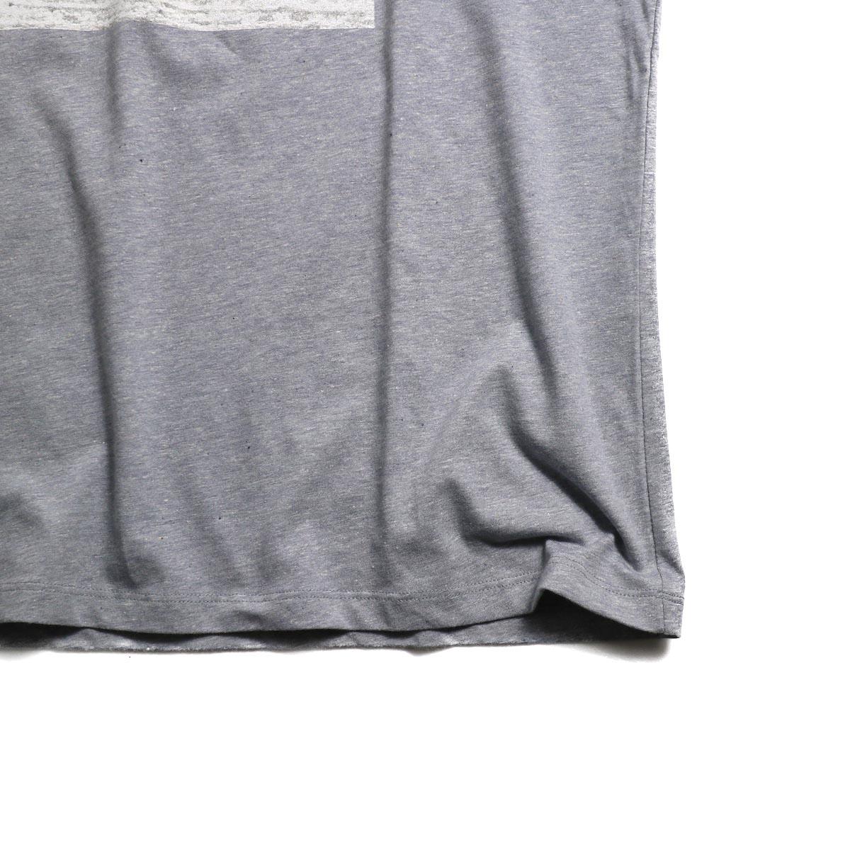 A.P.C. / Logo Tシャツ 裾