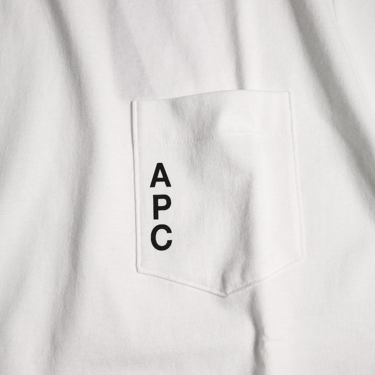 A.P.C. / Crew Neck Pocket Tee (White) ロゴ