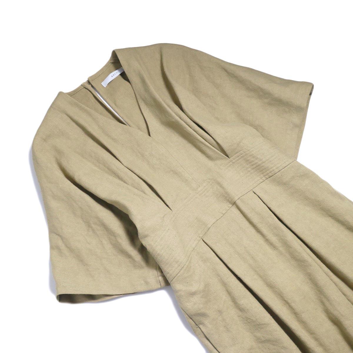 archi / Yucca Long Onepiece -Beige ナナメ