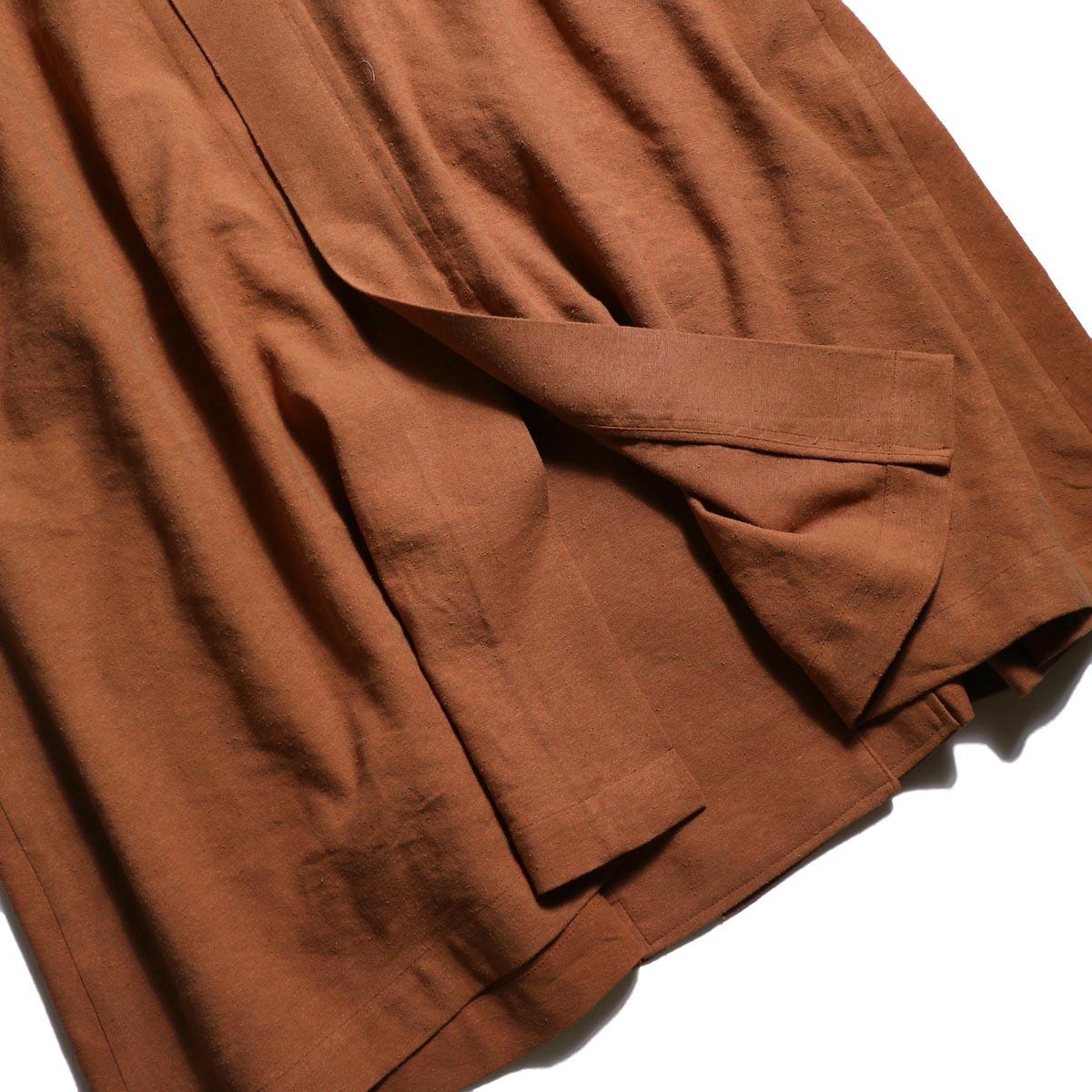 archi / Robinia Jacket (Terracotta)背面裾