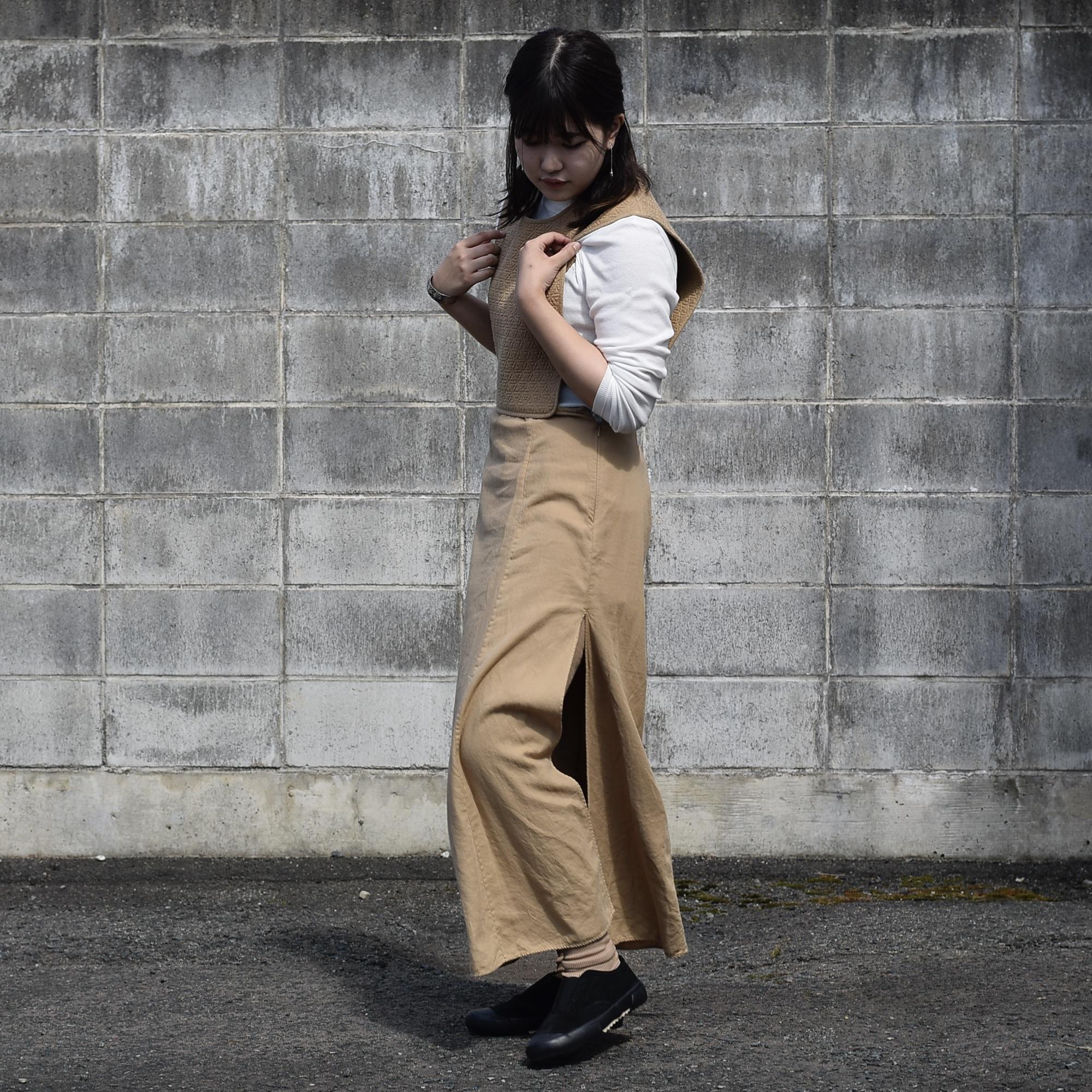 ARCHI / SKIMIA QUILT DRESS (beige) 着用2