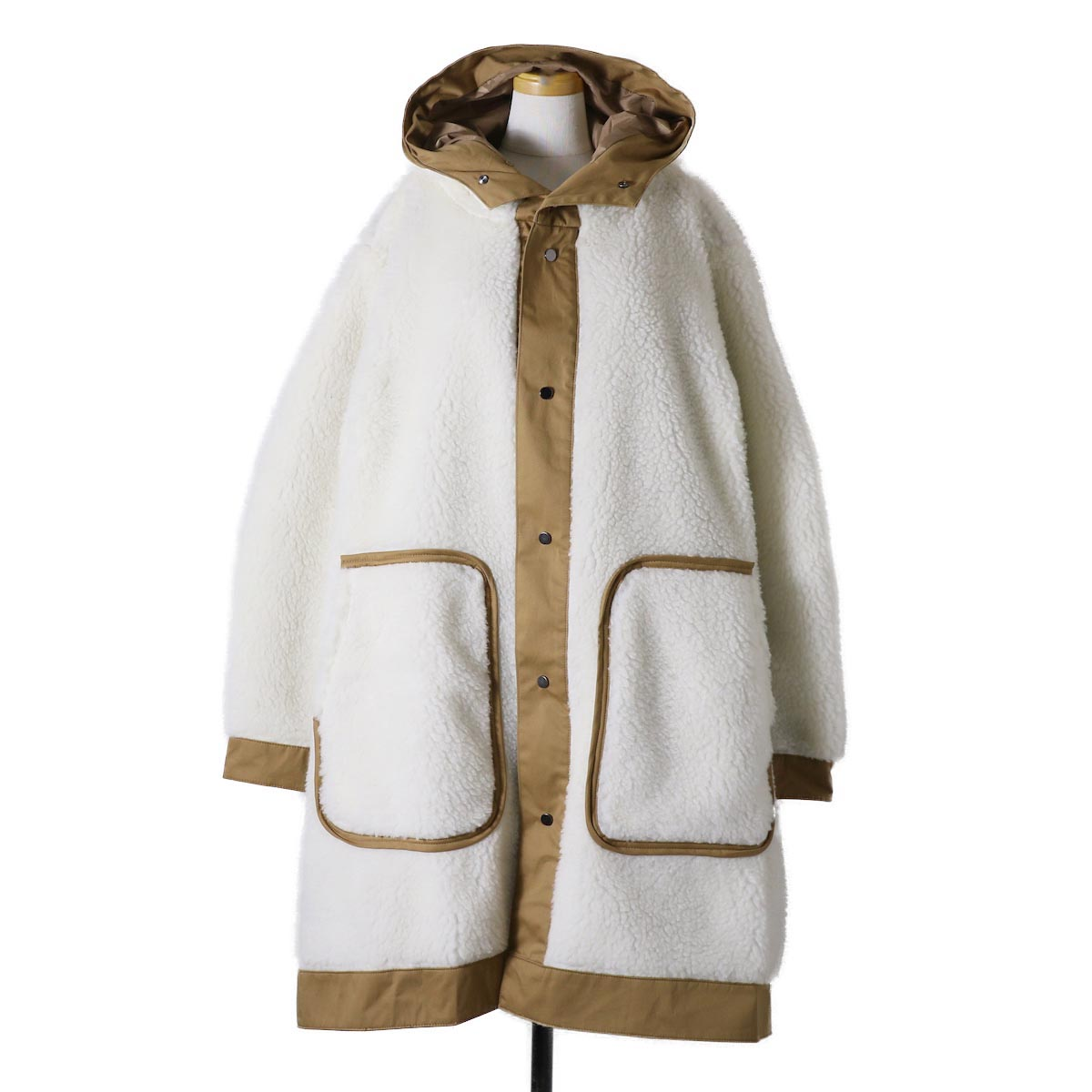 "BASISBROEK / ""Givry"" Boa Fleece Coat -Natural×Honey"