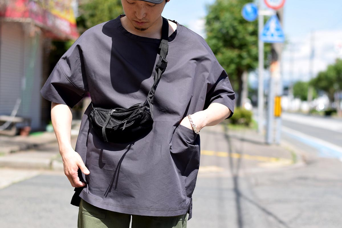 BASISBROEK / REMI -Cotton Silk PO Shirt (CHINO)着用イメージ①(162cmサイズ2着用)