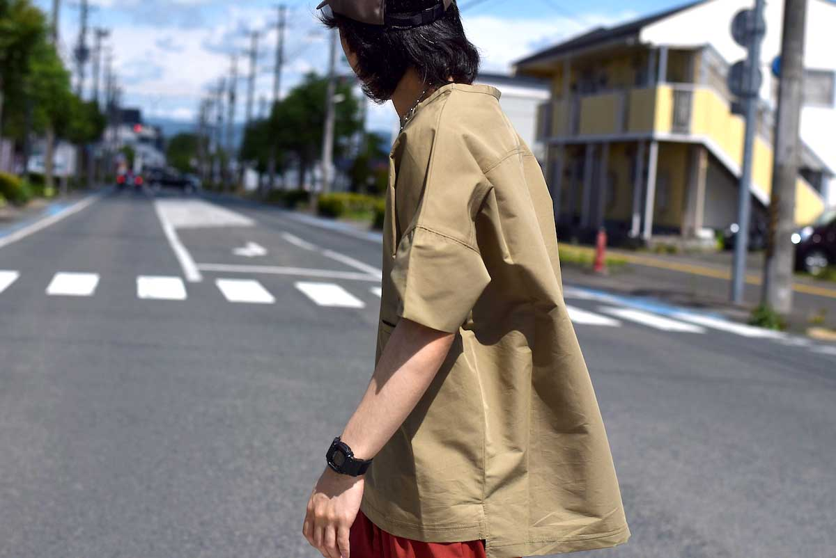 BASISBROEK / REMI -Cotton Silk PO Shirt (CHINO) 着用イメージ④(165cmサイズ3着用)