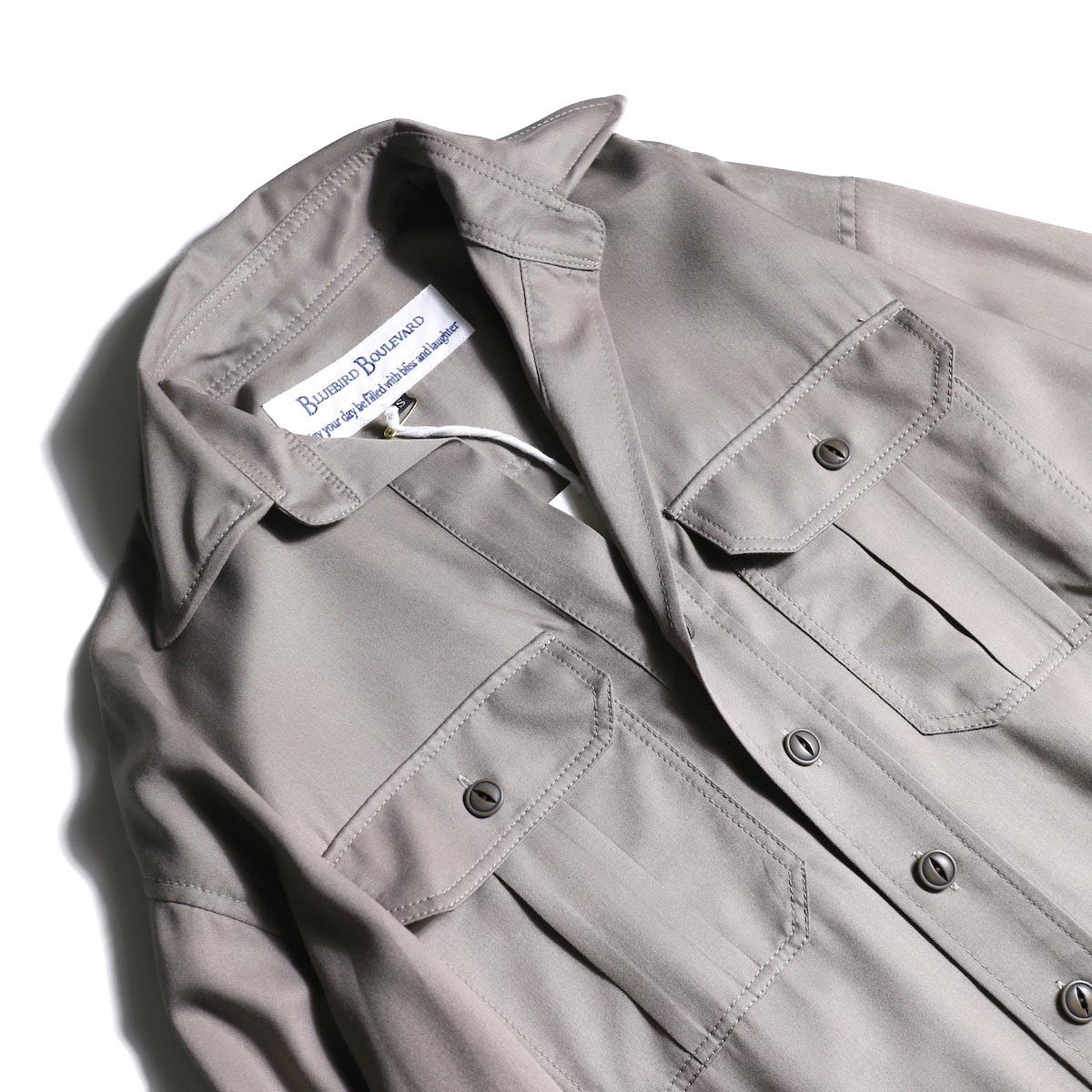 BLUEBIRD BOULEVARD / ソフトツイルシャツドレス (Taupe)オープンカラー、フラップポケット