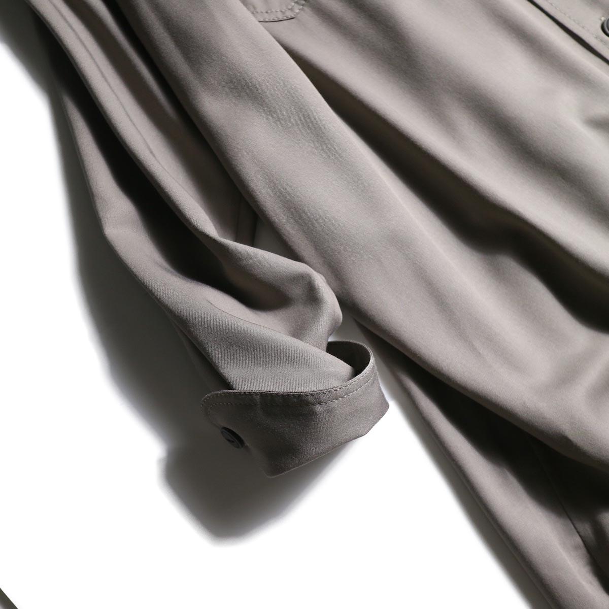 BLUEBIRD BOULEVARD / ソフトツイルシャツドレス (Taupe)カフス
