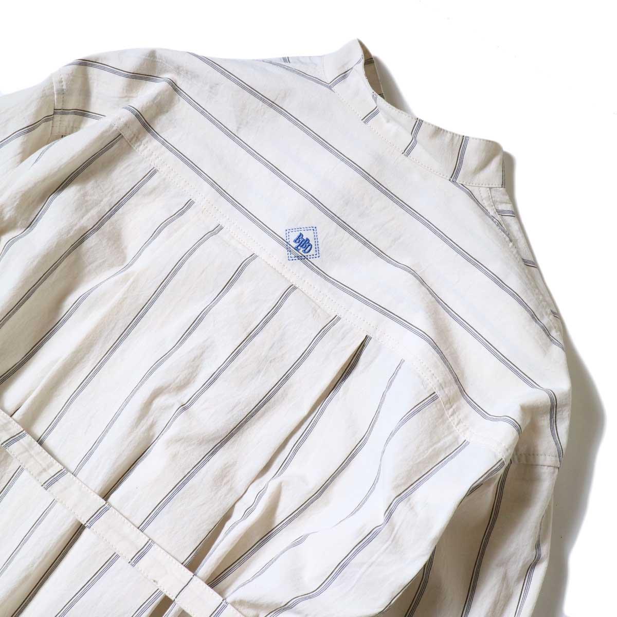 BLUEBIRD BOULEVARD / ブストライプダブルワッシャーシャツドレス (Ivory×Navy・Black) 背面アップ