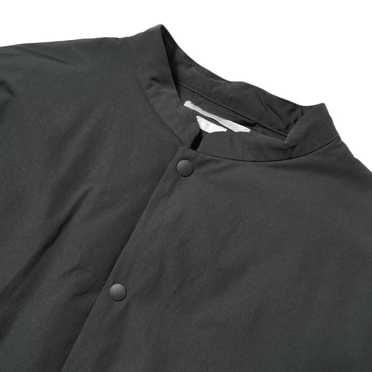 blurhms / Stand-up Collar Down Jacket (Black) フロント