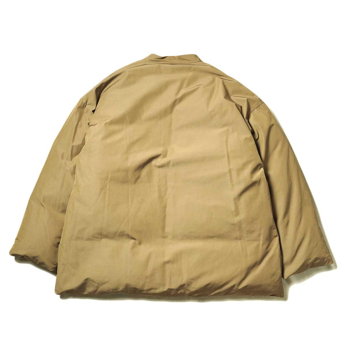 blurhms / Stand-up Collar Down Jacket (Khaki Beige) 背面