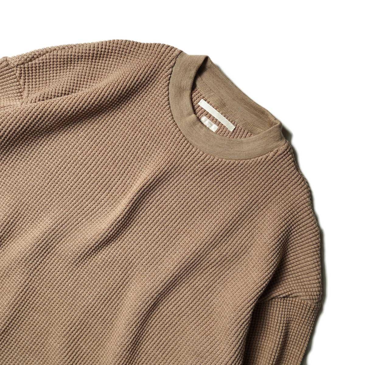 blurhms / Wool Cotton Big Waffle Crew-Neck (Beige)ネック
