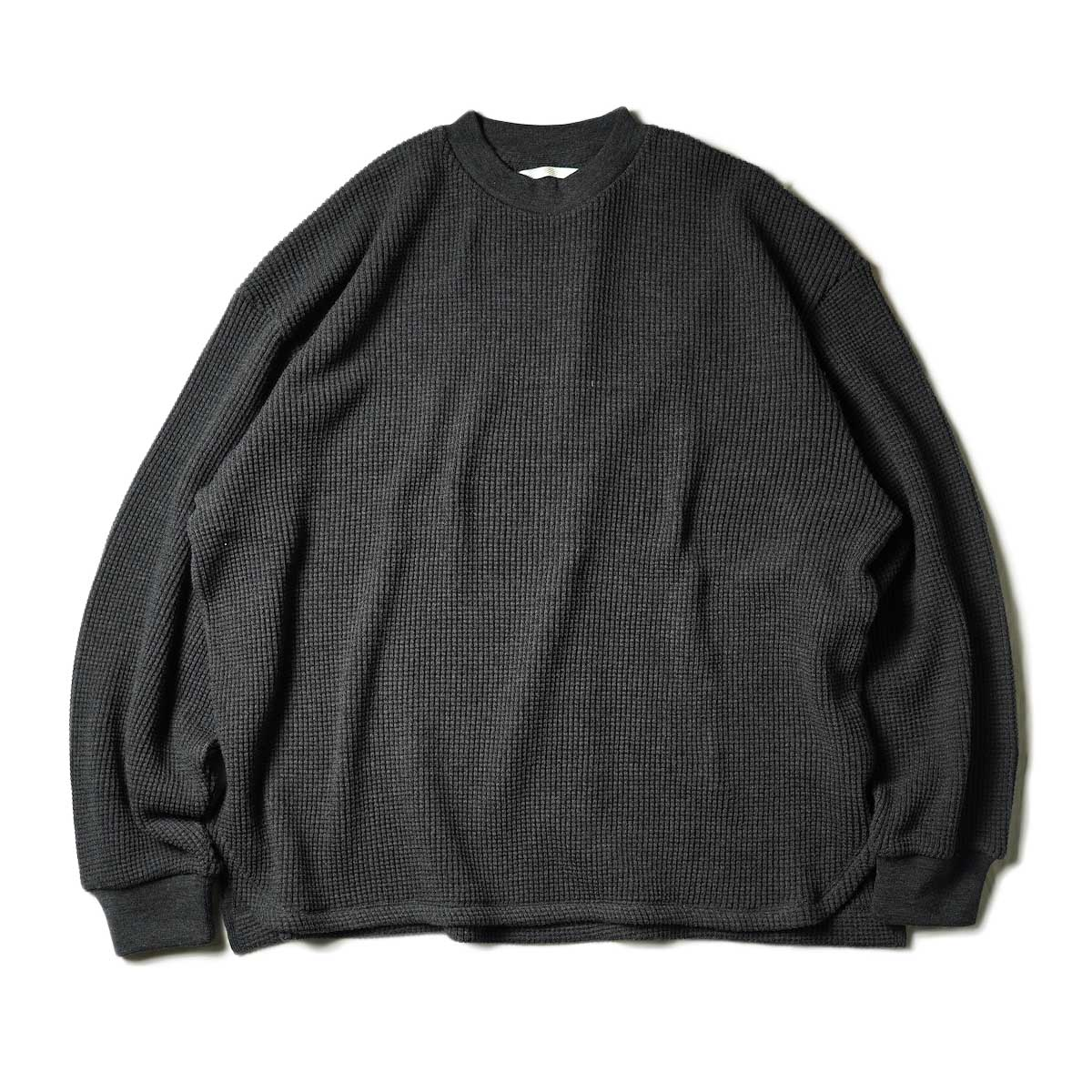 blurhms / Wool Cotton Big Waffle Crew-Neck (Heather Charcoal)正面