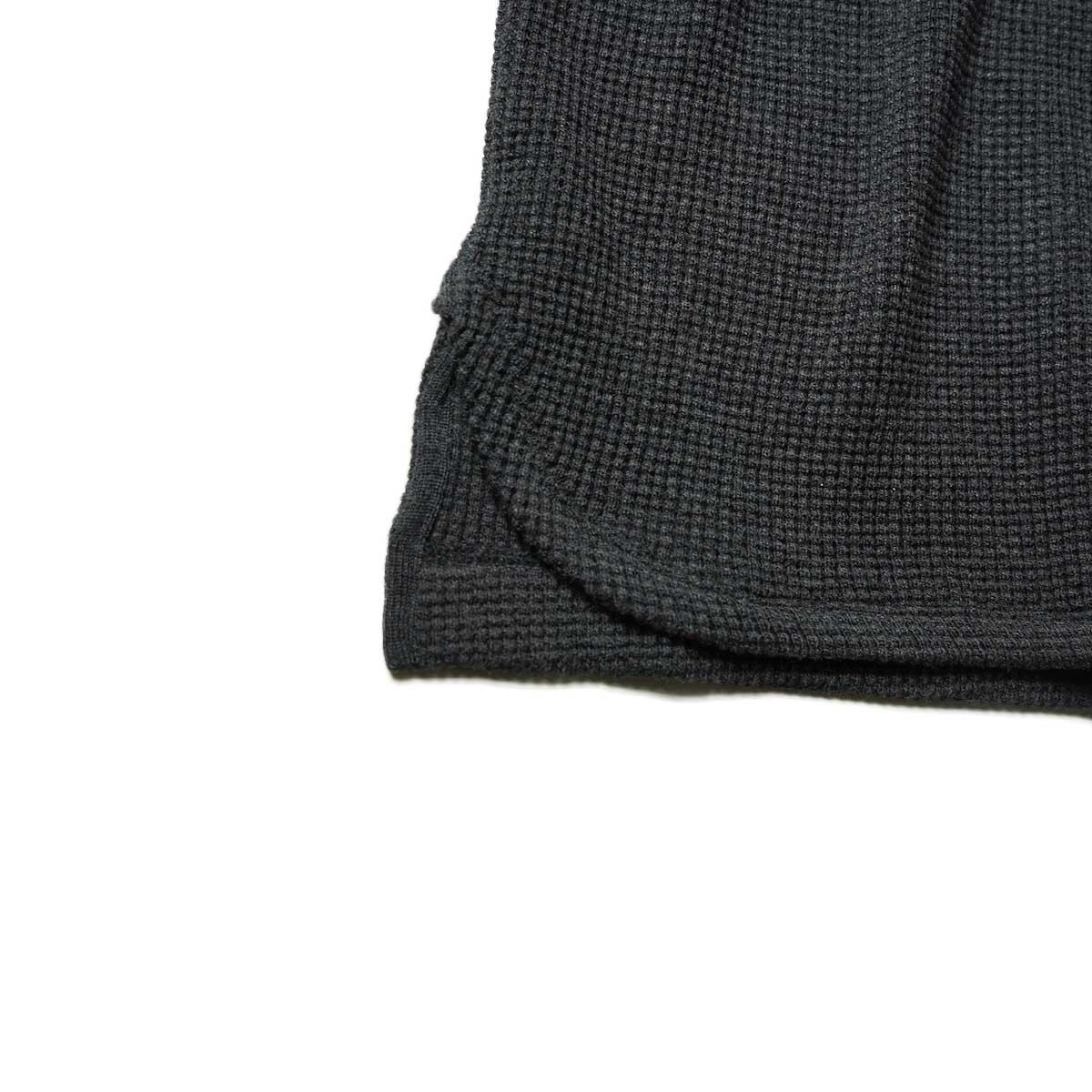 blurhms / Wool Cotton Big Waffle Crew-Neck (Heather Charcoal)裾