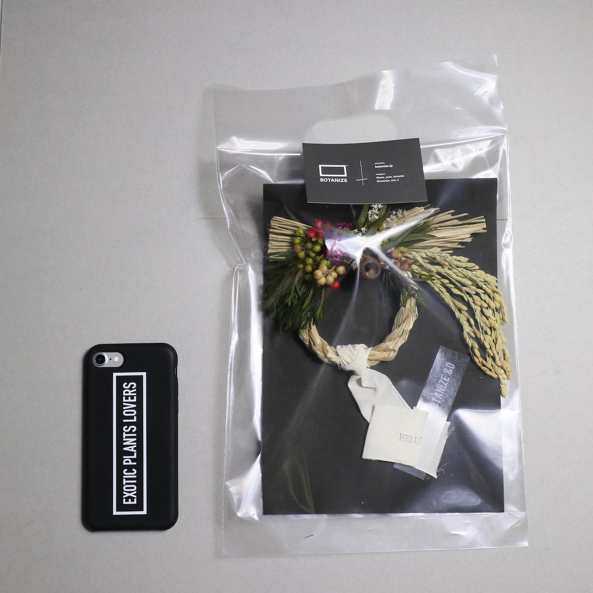 BOTANIZE&D / SHIMENAWA wreathe -XS- (typeB) サイズ感 (iphone7との比較)