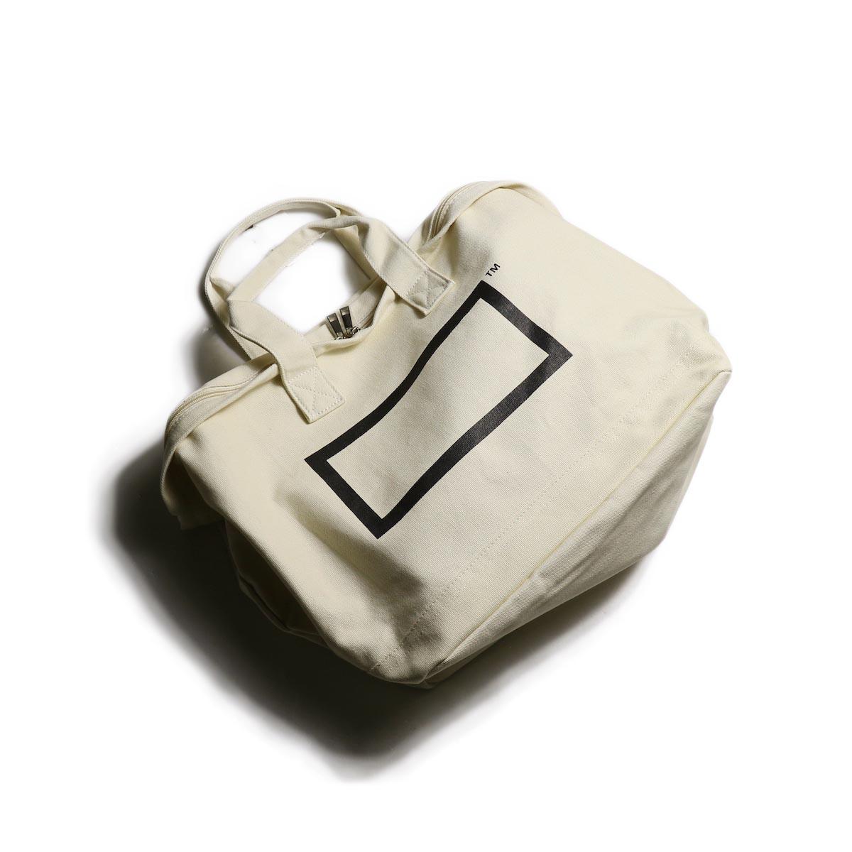 BOTANIZE / Logo Mark Tote Bag ナナメ
