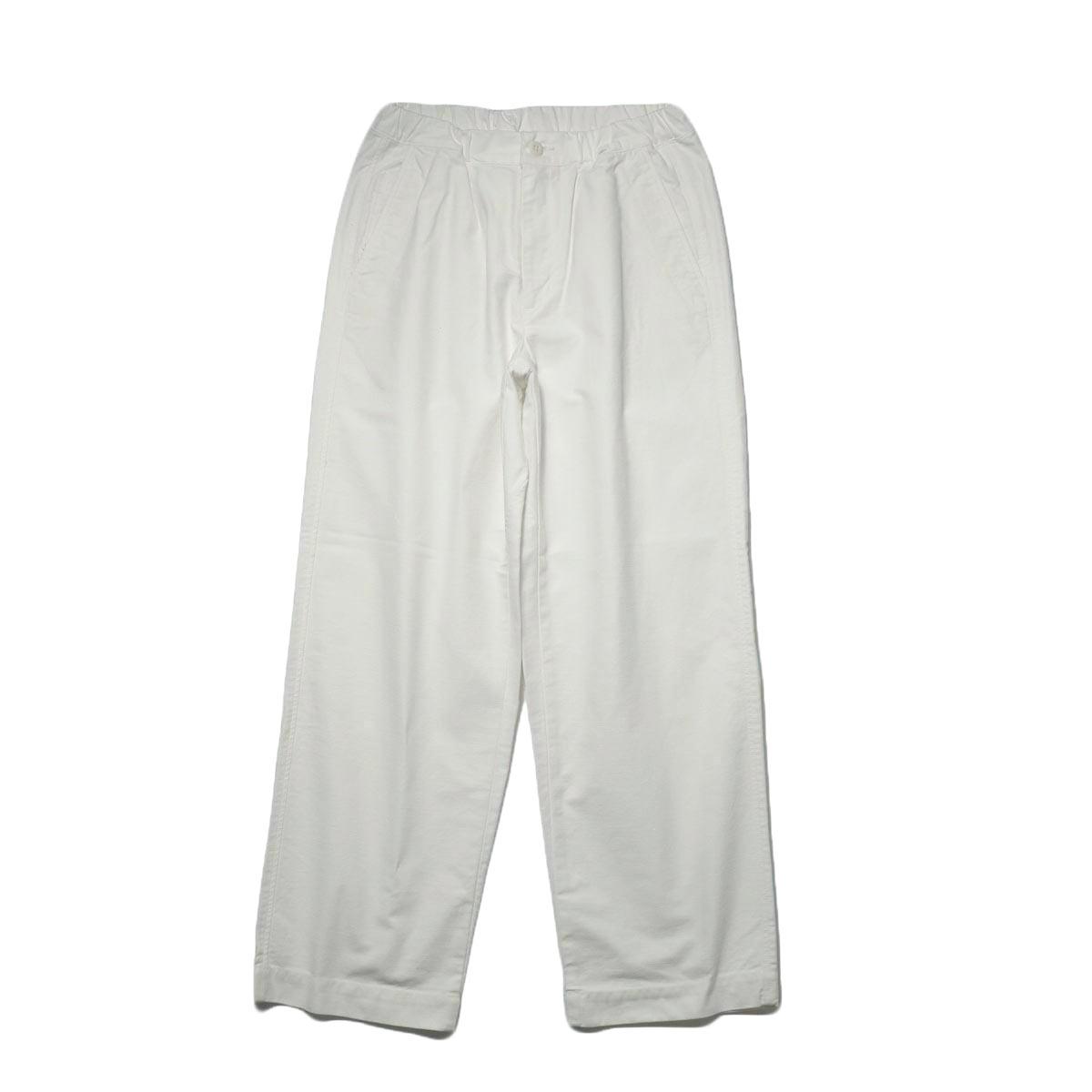 BRENA / Coq Pants (milk) 正面