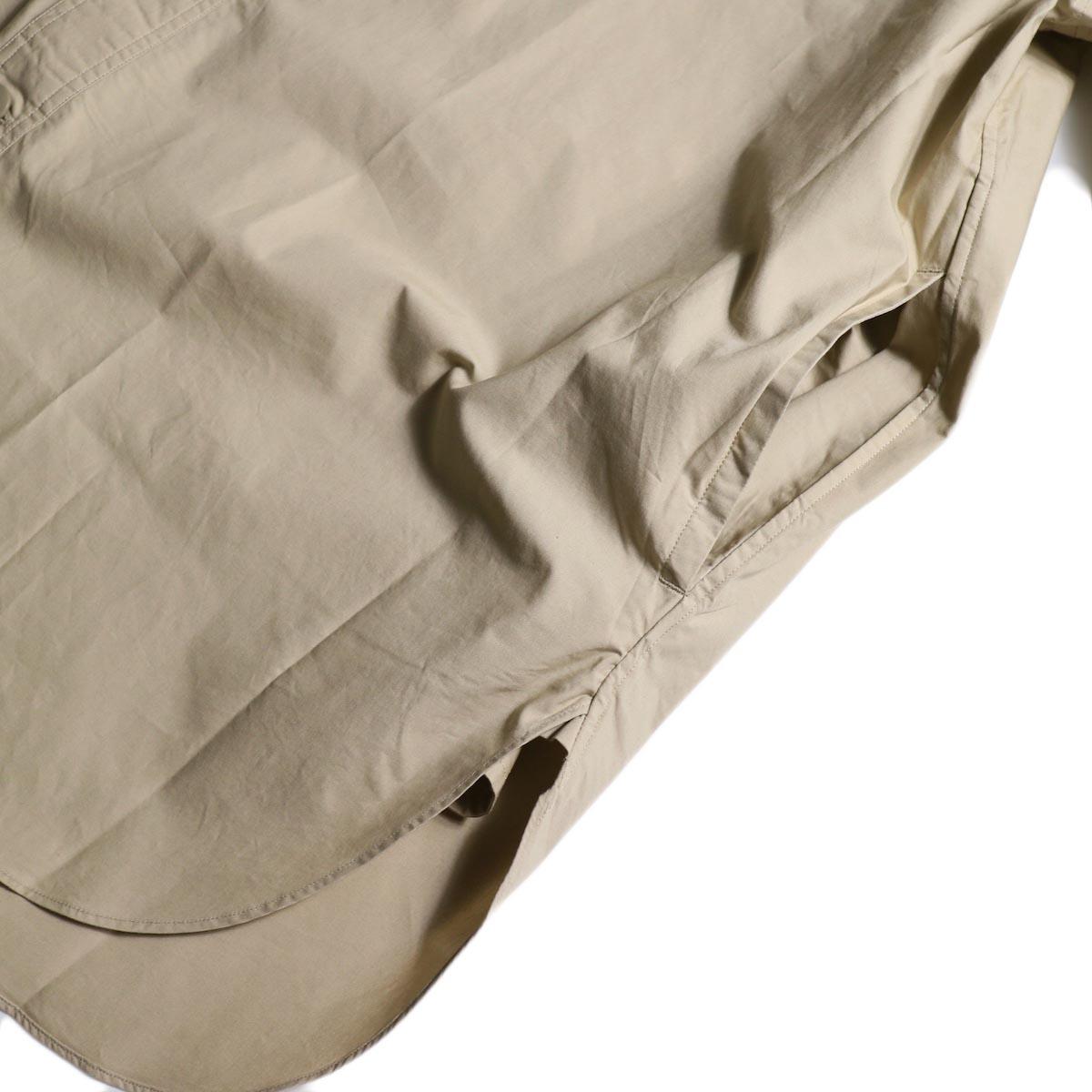 BRENA / Hood Work Shirt (Sand)スリット