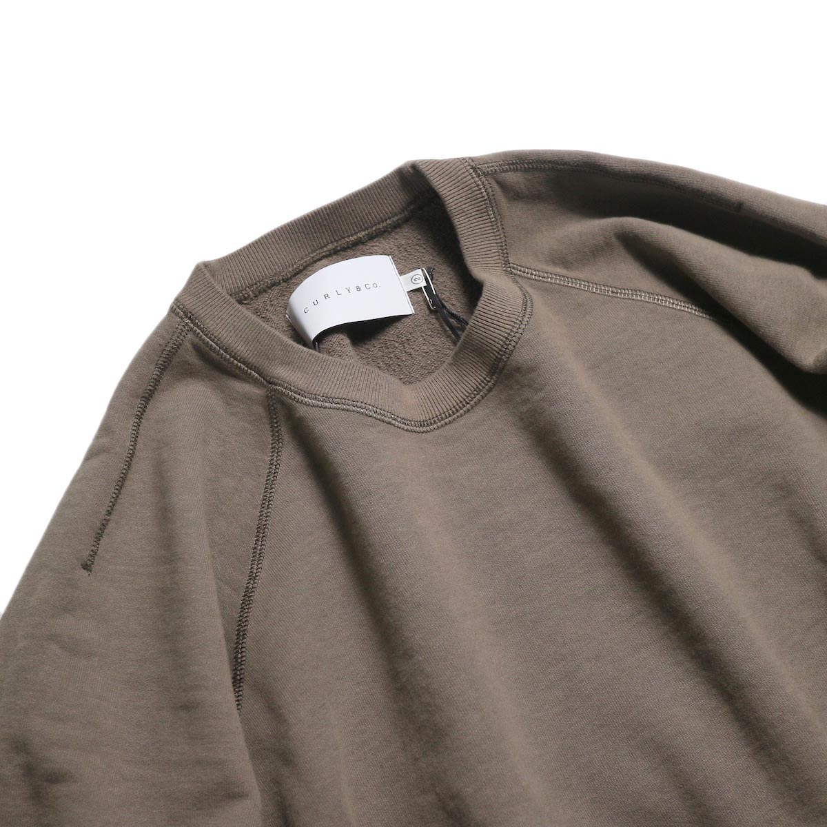CURLY / Frosted Crew Sweat -Grage 首元