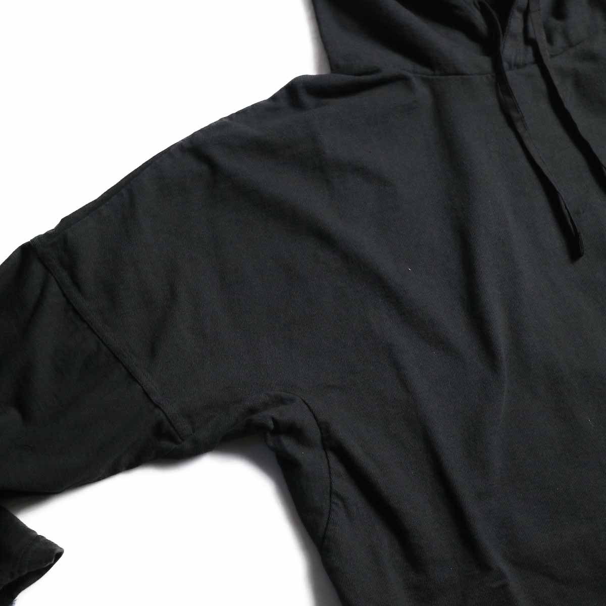CURLY / Frosted LS Parka -Black 肩