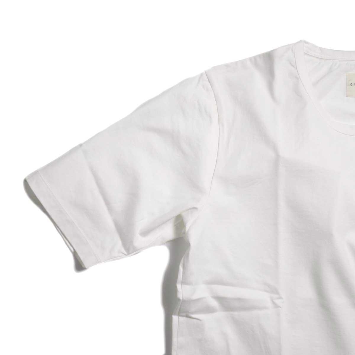 CURLY / SDH HS CN TEE -White ハーフスリーブ
