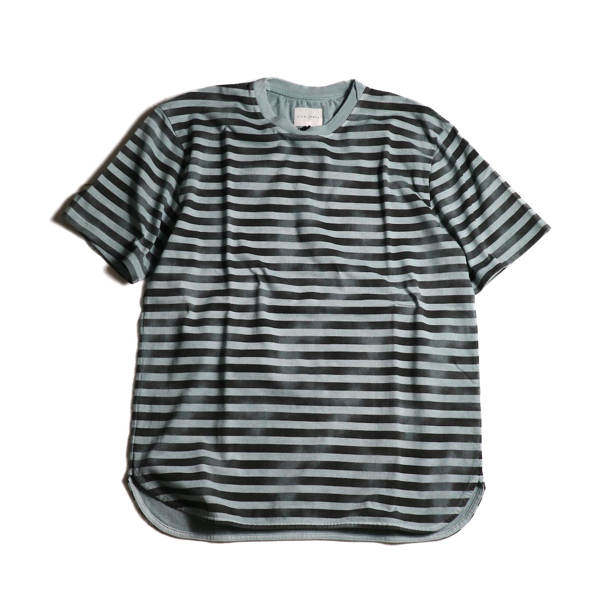 CURLY / FROSTED SS BORDER TEE (Blue/Black)正面