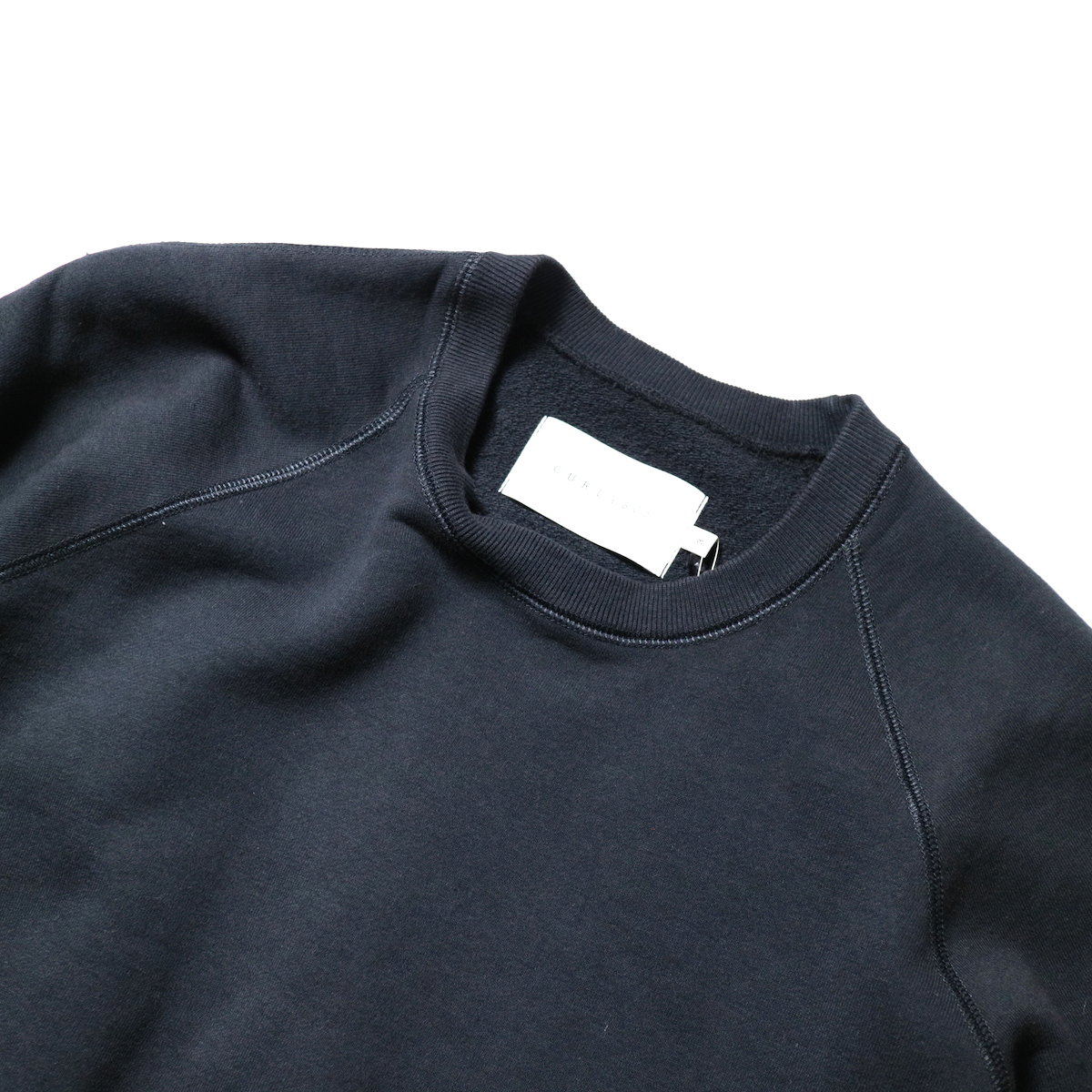 CURLY / FROSTED CREW SWEAT (D.Navy)首周り