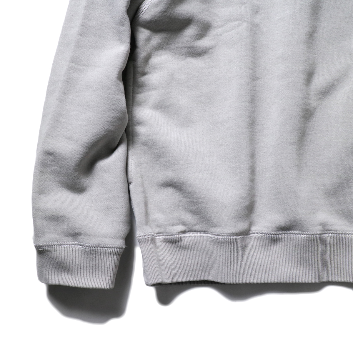 CURLY / FROSTED CREW SWEAT (LT.Gray)袖、裾