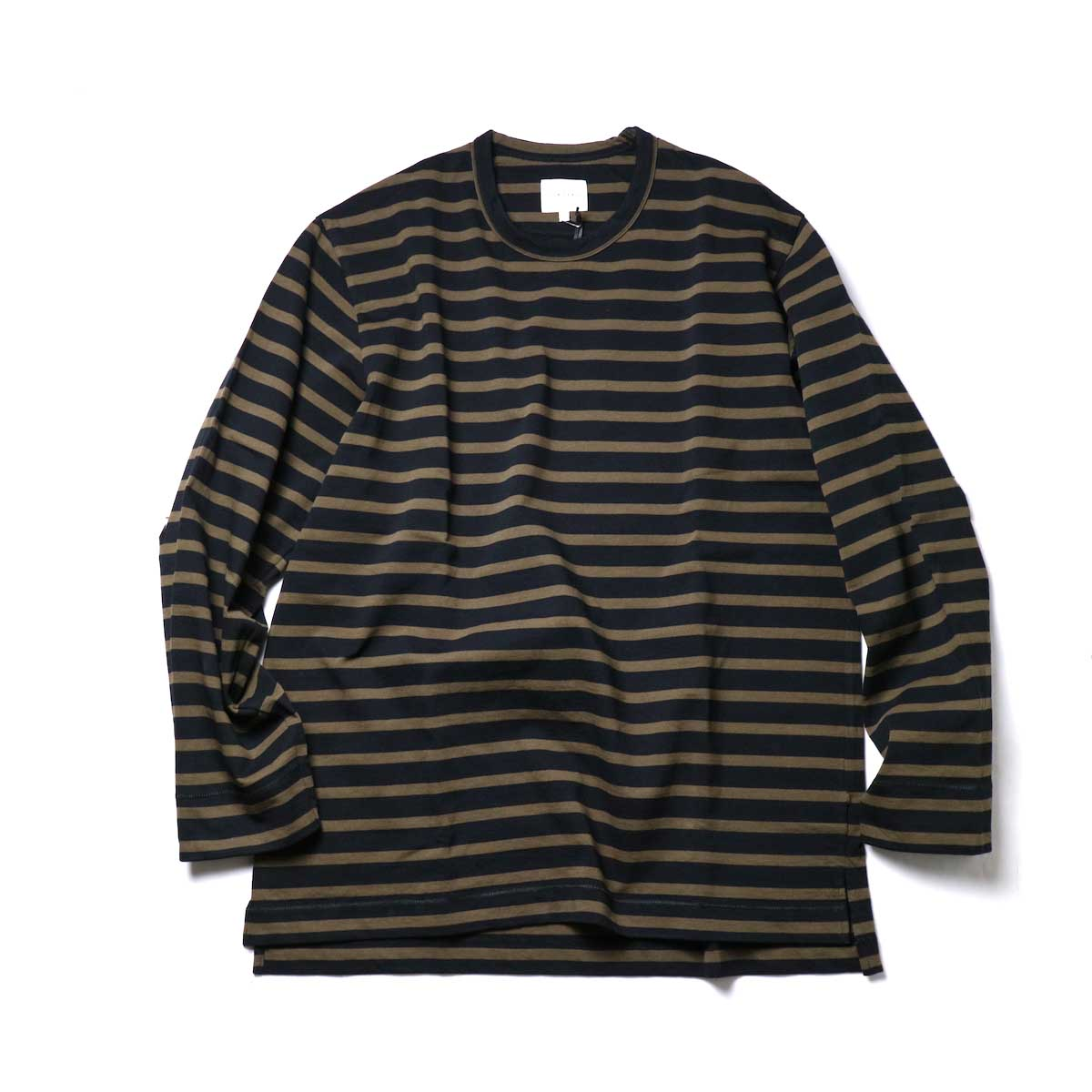 CURLY / SALFORD L/S BORDER TEE (Black / Olive)正面