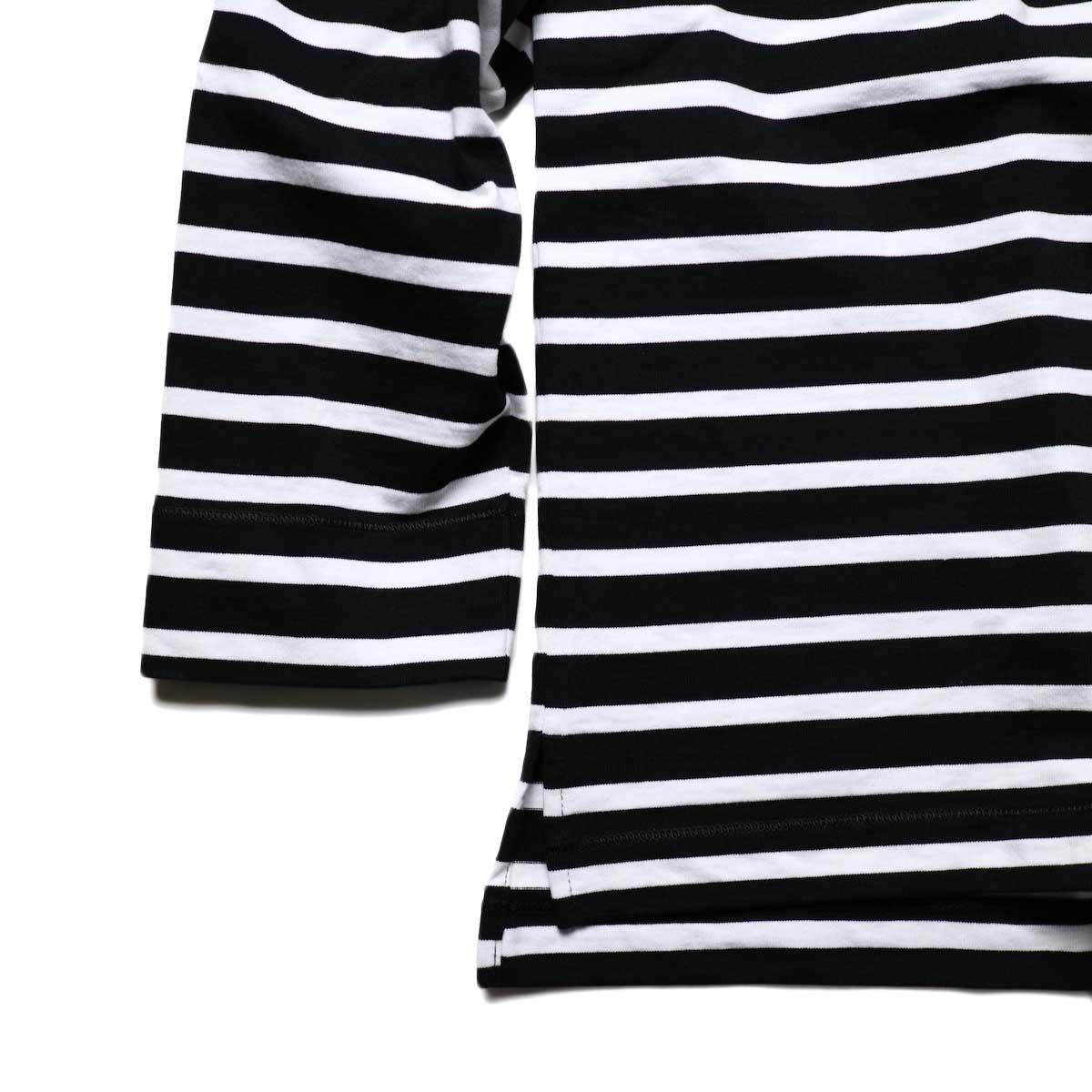 CURLY / SALFORD L/S BORDER TEE (Black / White)袖、裾スリット