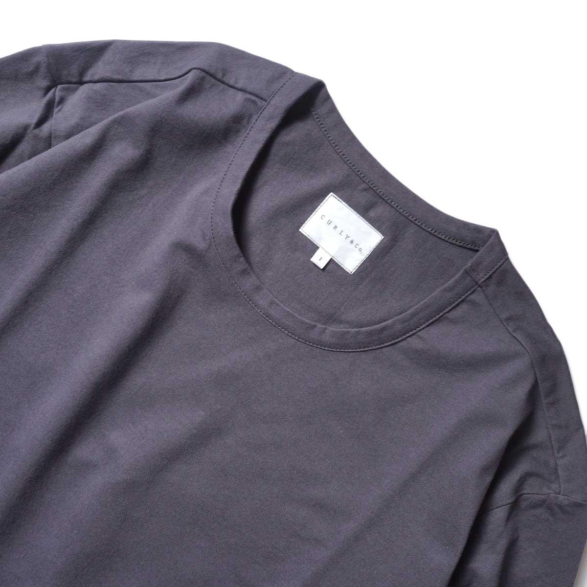 CURLY / ELS L/S CN TEE (Charcoal)ネック