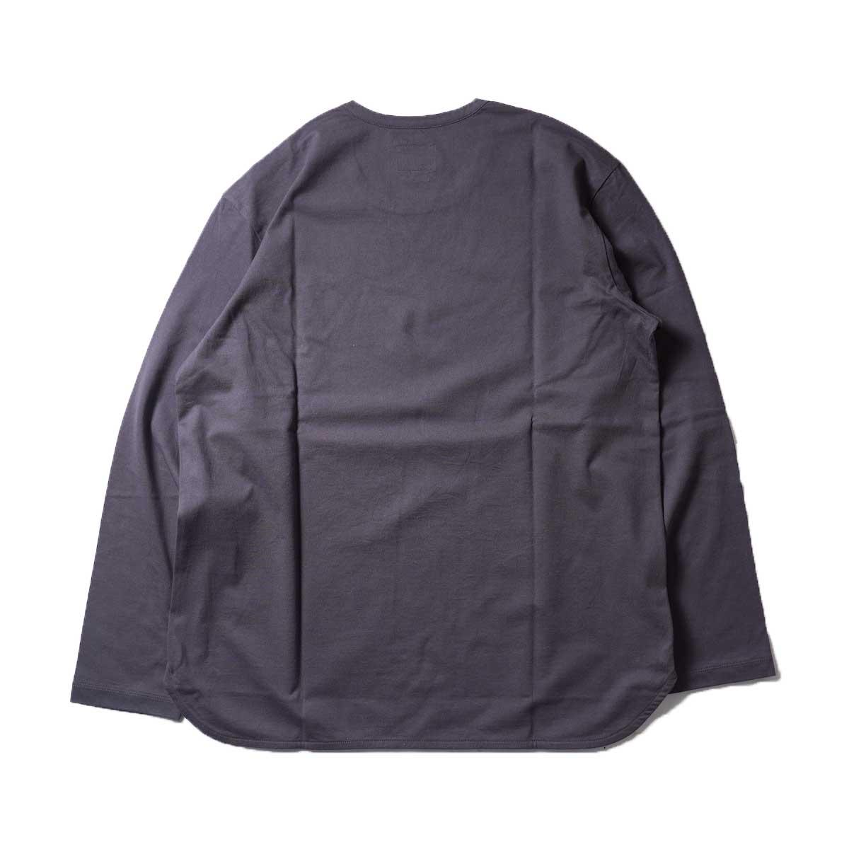 CURLY / ELS L/S CN TEE (Charcoal)背面