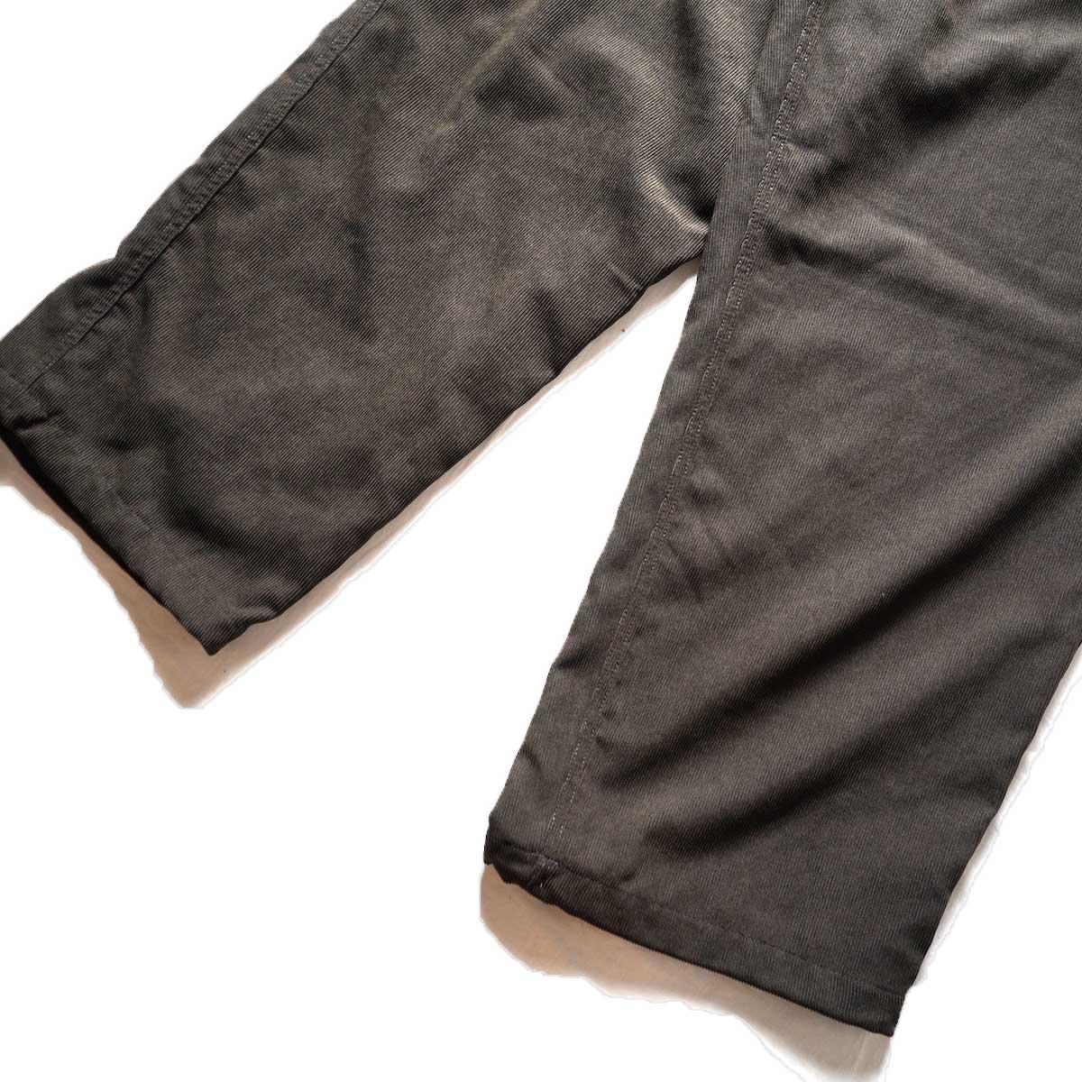 DAIWA PIER39 / TECH CORDUROY EASY TROUSERS (Brown)裾
