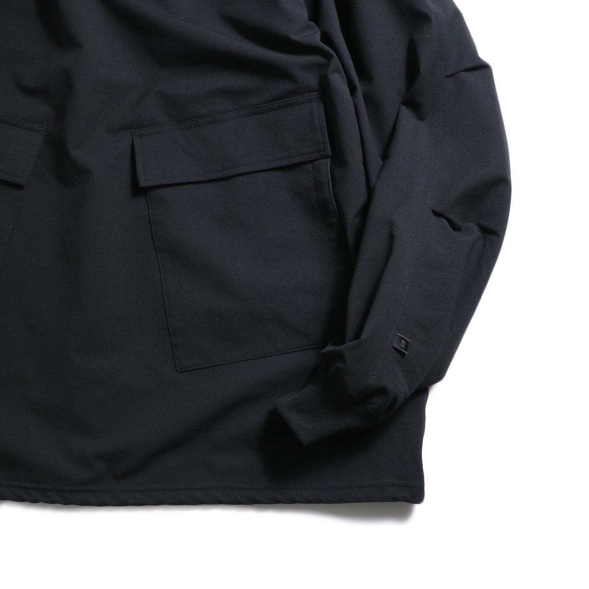 DAIWA PIER39 / Pull Over Snow Parka (Black)袖、裾