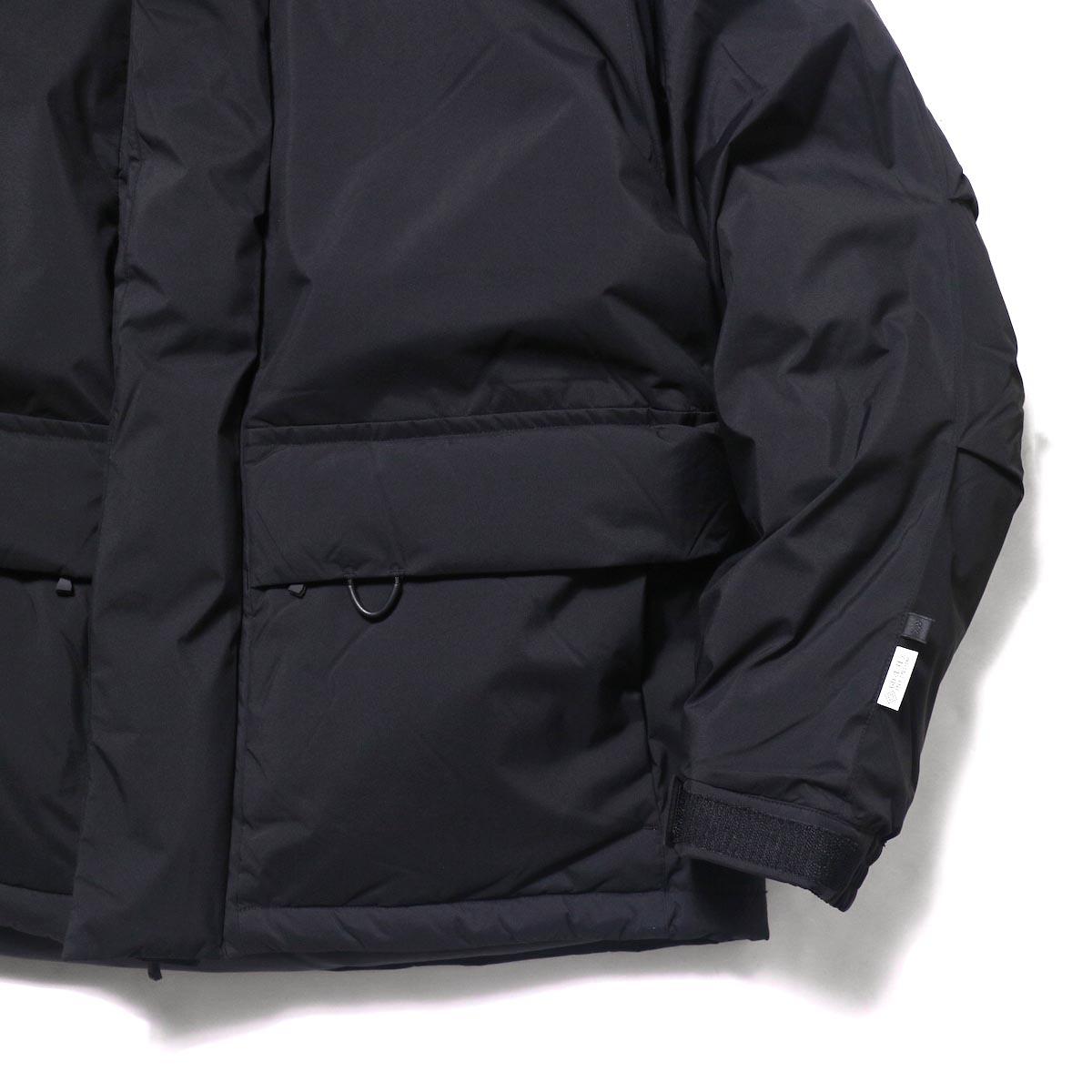 DAIWA PIER39 / GORE-TEX INFINIUM EXPEDITION DOWN JACKET (Black)袖、ポケット