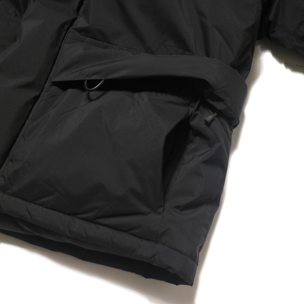 DAIWA PIER39 / GORE-TEX INFINIUM EXPEDITION DOWN JACKET (Black)フタ付きポケット、ハンドウォーマー
