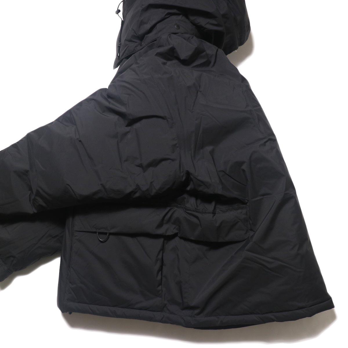 DAIWA PIER39 / GORE-TEX INFINIUM EXPEDITION DOWN JACKET (Black)横ポケット
