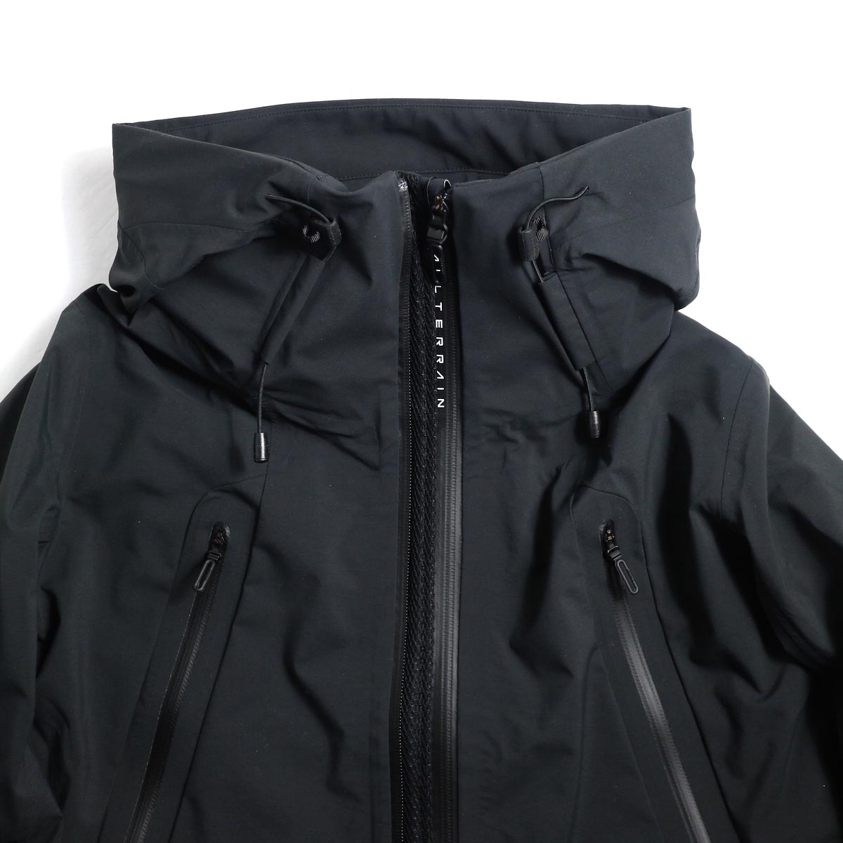 "DESCENTE ALLTERAIN / Hard Shell Jacket ""CREAS"" 襟"