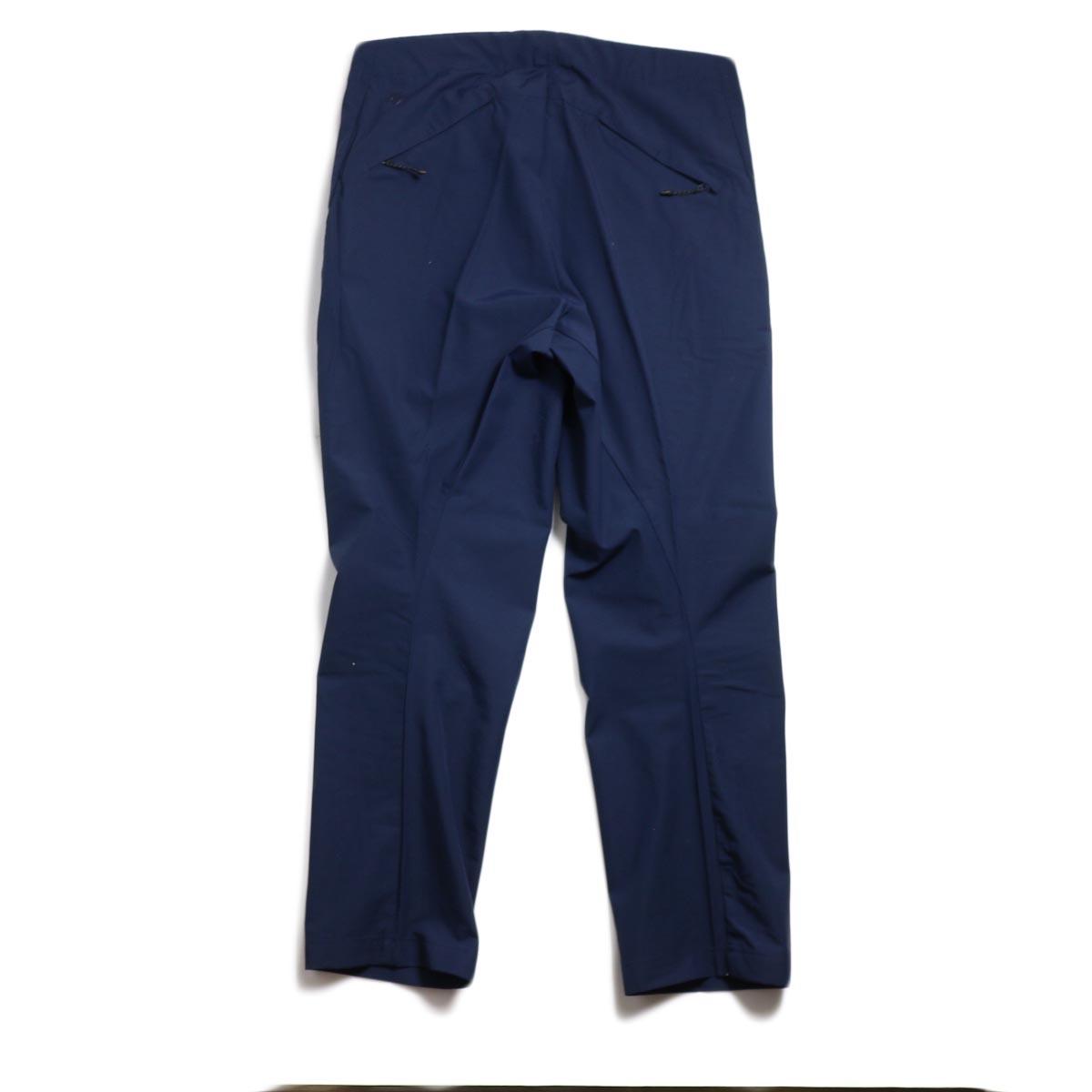DESCENTE ddd / UNIFIT PANTS -NAVY 背面